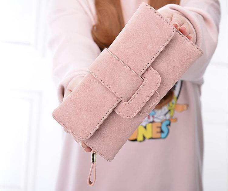 Top 6 mẫu ví nữ cầm tay đẹp xinh xắn, hợp thời trang GenZ