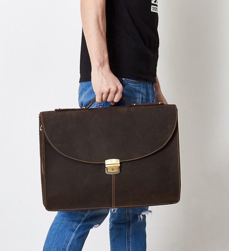 Mua túi xách đựng laptop da bò ở đâu uy tín?