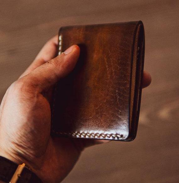 Tư vấn cách chọn mua ví da nam ưng ý