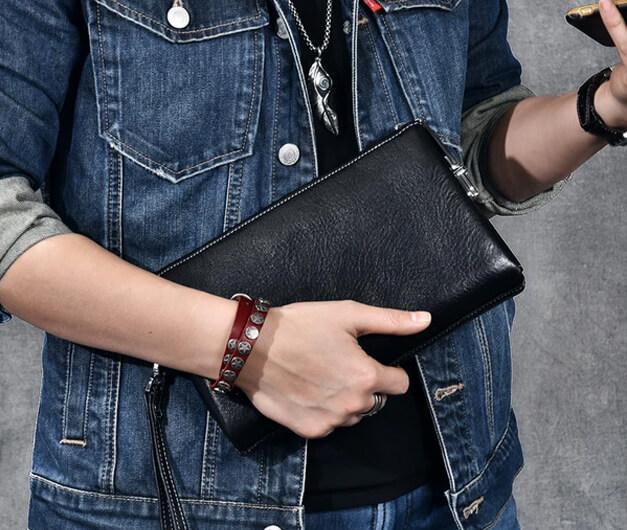 Sử dụng ví cầm tay nam lịch lãm sang trọng hơn