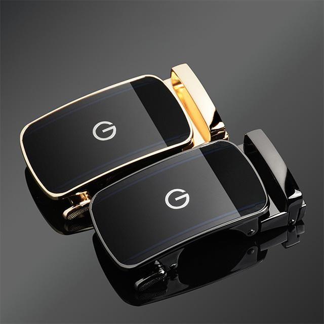 Mặt khóa màu vàng và màu đen của mặt khóa B397