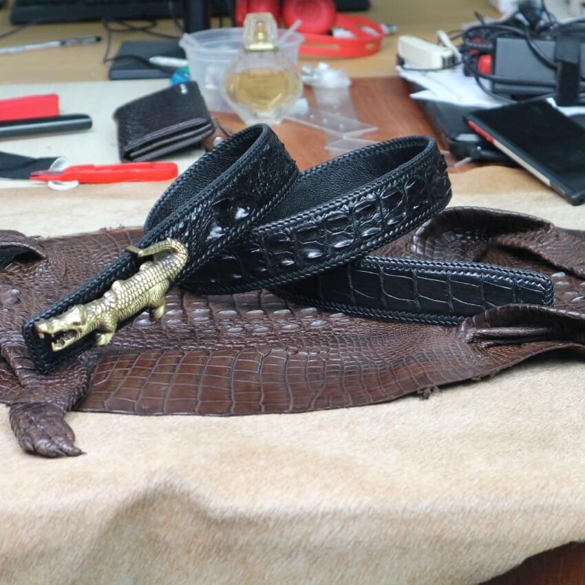 Dây lưng khóa hình cá sấu nổi vân gai lưng liền đan viền siêu sang, siêu bền E725