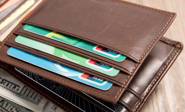 Khe căm thẻ của mẫu ví nam D610