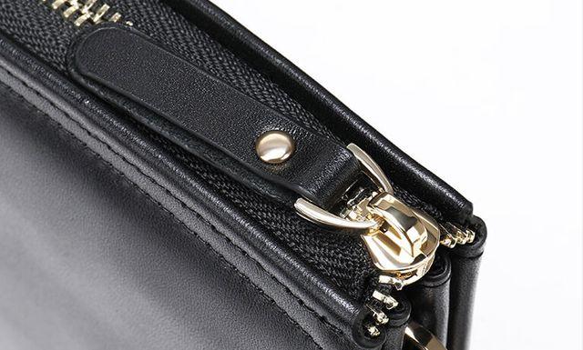 Những góc cạnh của ví cầm tay D138