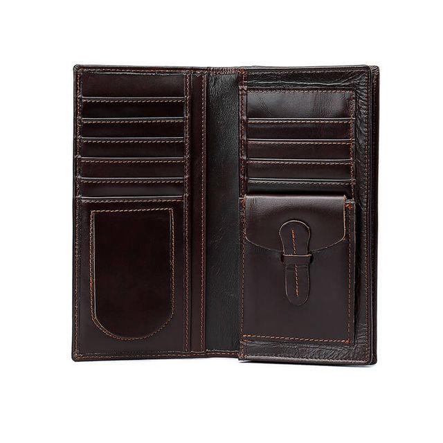 Những ngăn để đựng đồ của ví da nam cầm tay D177