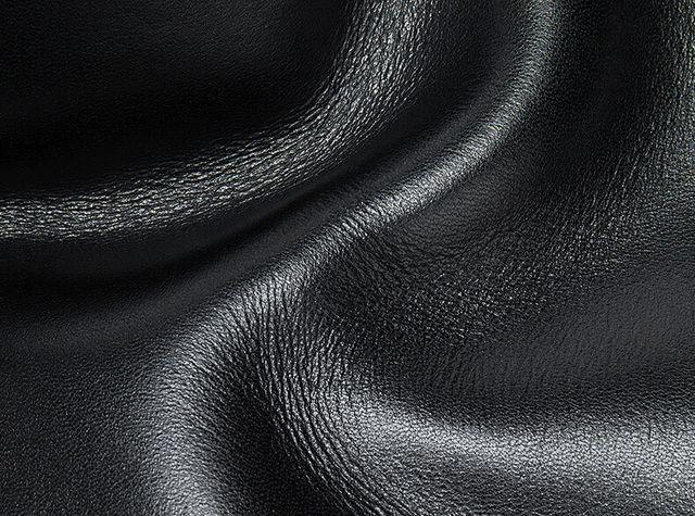 Chất liệu da bò cao cấp của ví da nam D905A