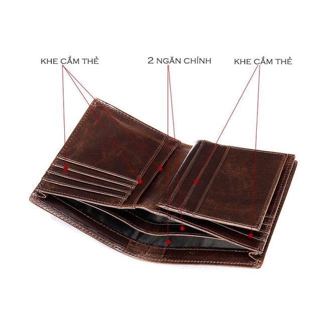 Thiết kế các ngăn mặt trong của ví màu nâu và màu đen giống nhau