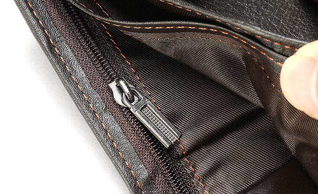 Ngăn bên trong của mẫu ví nam da bò D610C